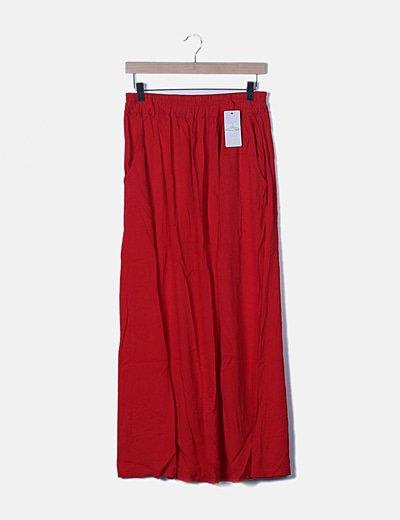 Falda roja con bolsillos