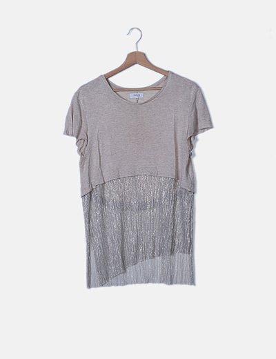 Camisetabeige detalle plisado