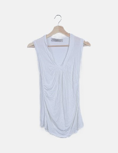Camiseta blanca escote plisado