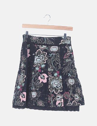 Falda midi negra estampada