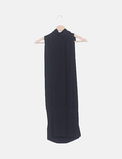 Vestido negro fluido cuello halter escote espalda