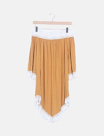 Vestido mostaza escote crochet barco