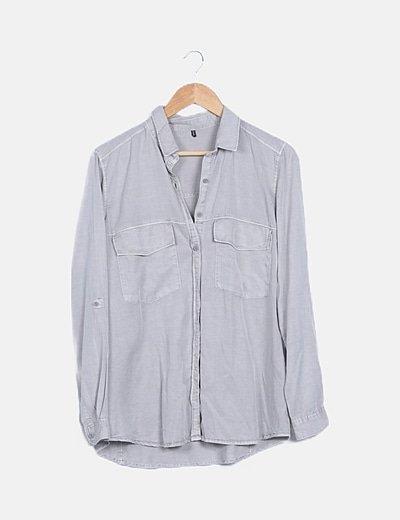 Camisa denim gris abotonada