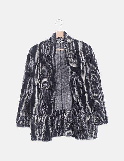 Abrigo gris pelo sintético animal print