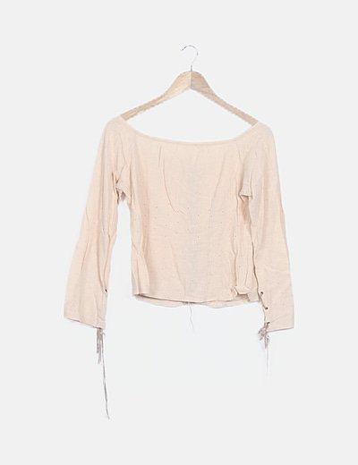 Blusa beige texturizada bordados florales
