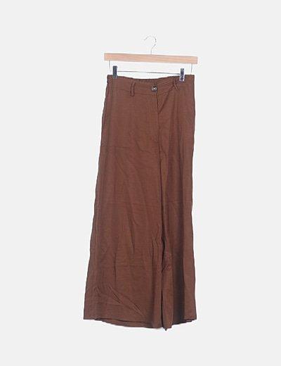 Pantalón marrón palazzo
