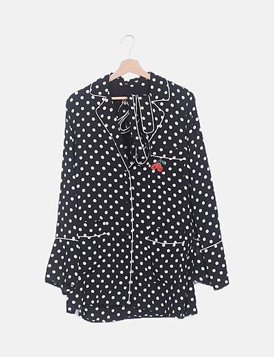 Camisa topos negra bordado cereza