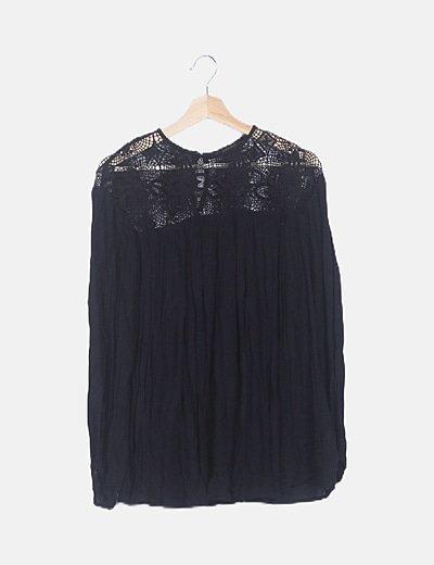 Vestido mini crochet negro
