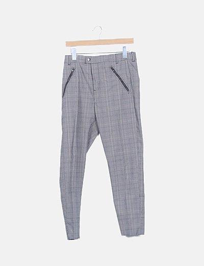 Pantalón cuadro galés gris