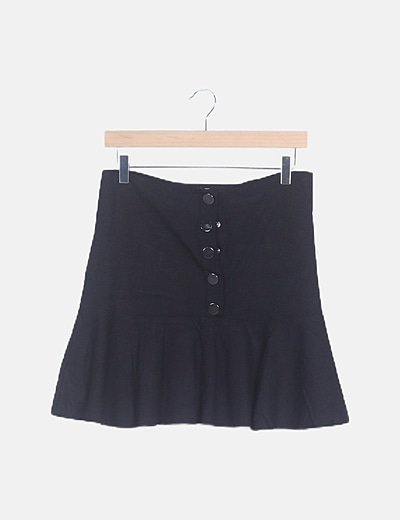 Falda peplum negra abotonada