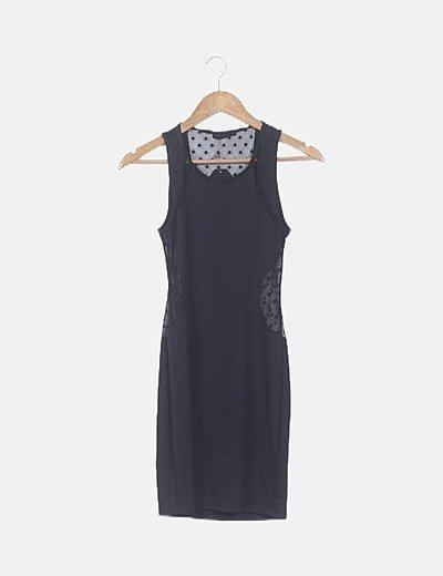 Vestido negro combinado tul