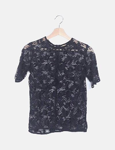 Camiseta encaje negra