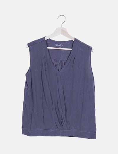 Blusa gris combinada