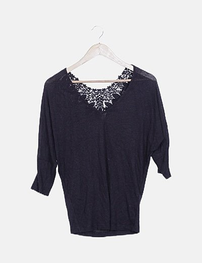 Jersey punto negro detalle crochet