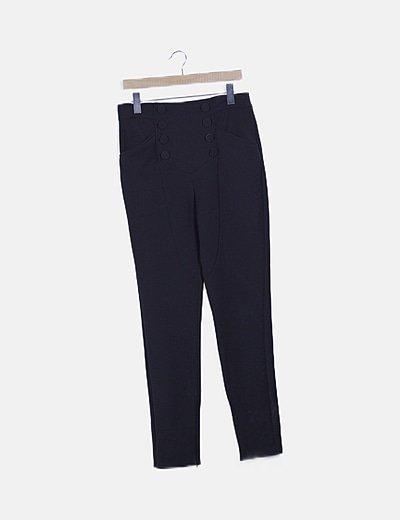 Pantalón negro detalle botones