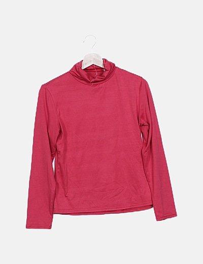Camiseta roja básica cuello alto