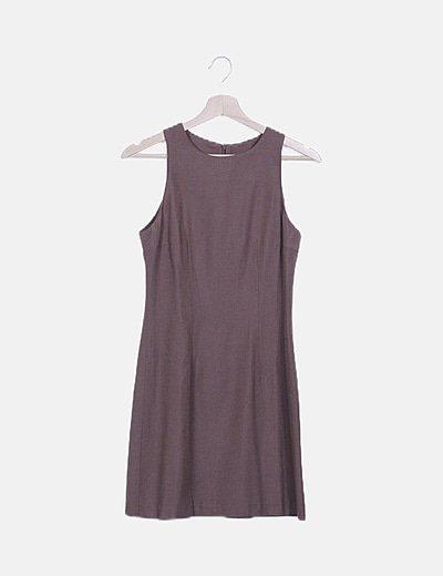 Vestido recto marrón sin mangas