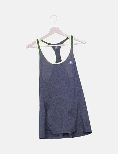 Camiseta deportivo gris