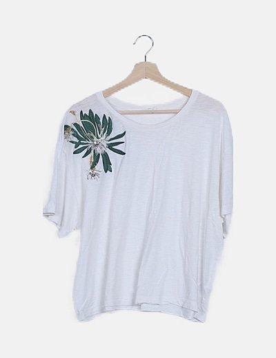 Camiseta blanca bordado floral