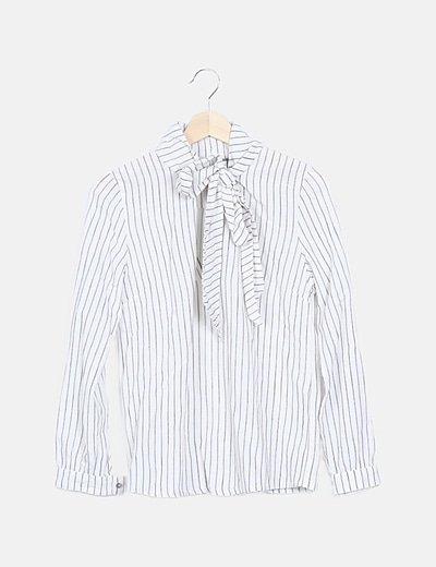 Camisa blanca raya diplomática detalle lace up