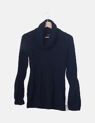 Jersey negro cuello alto