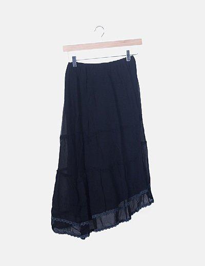 Falda fluida negra con encaje