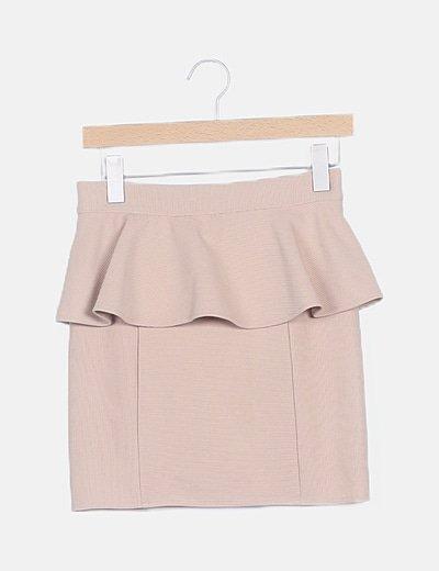 Falda marrón texturizada volante