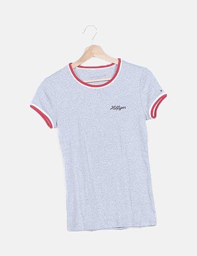 Camiseta gris ribete rayas