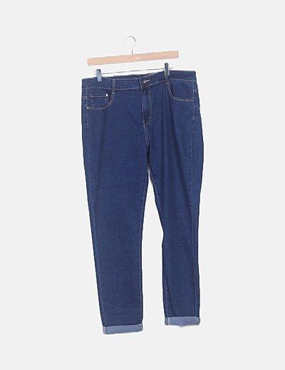 Jeans denim con dobladillo