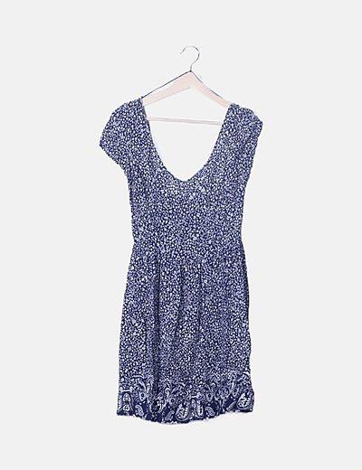 Vestido fluido azul marino floral
