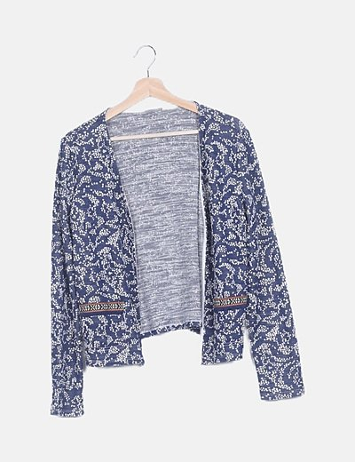 Chaqueta tricot azul estampada