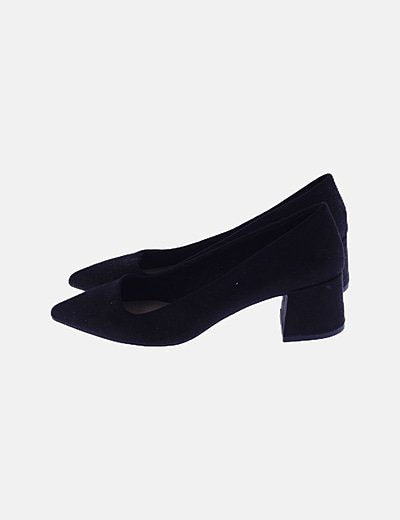 Zapato negro punta