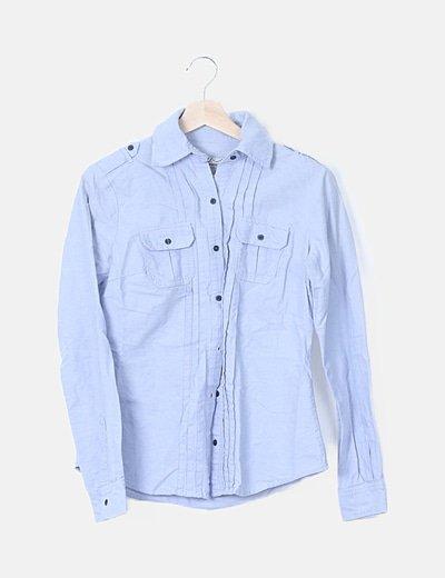 Camisa azul detalles plisados