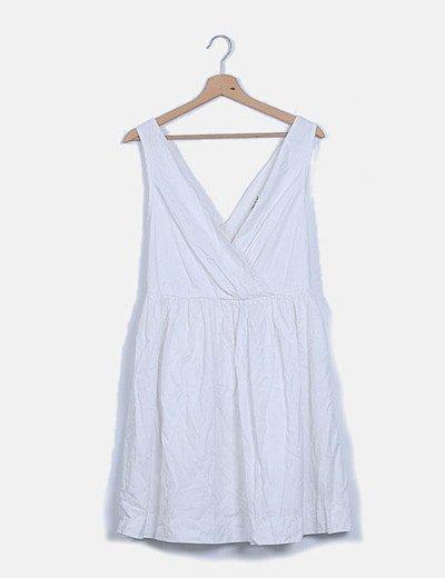Vestido blanco escote pico