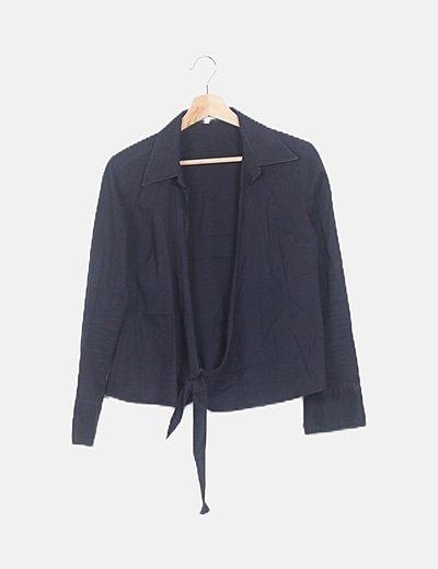 Camisa cruzada negra