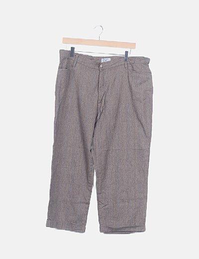 Pantalón marrón de rayas