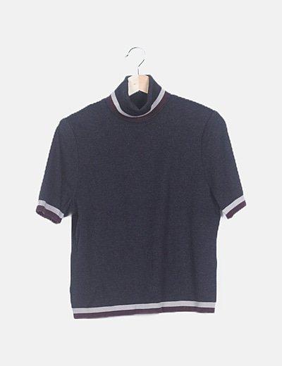 Camiseta punto gris cuello vuelto