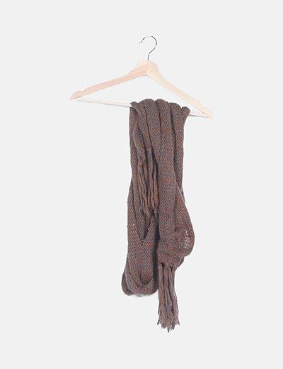 Bufanda trenzada marrón jaspeada