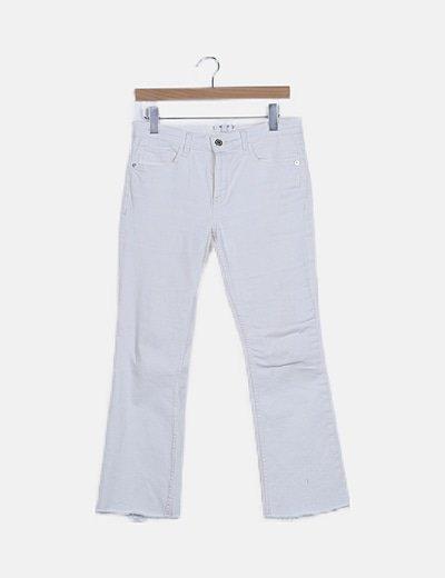Pantalón recto color crudo
