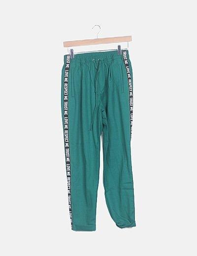 Pantalón baggy verde letras lateral