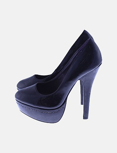 Zapato plataforma negro con tachas