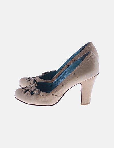 Zapatos beige tacón