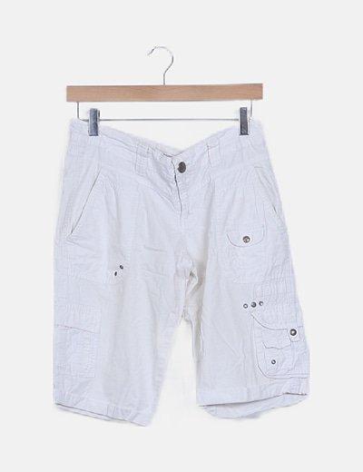 Bermudas blancas con bolsillos