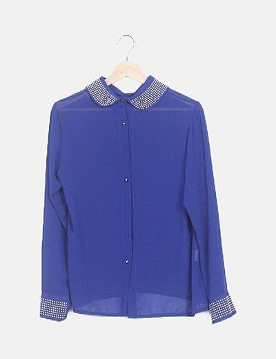 Camisa azul tachas