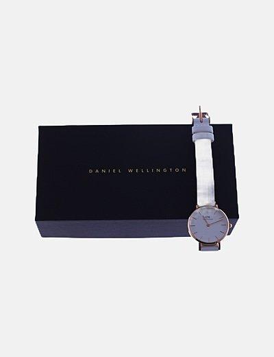 Reloj analógico blanco