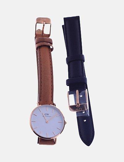 Reloj analógico marrón correa extra negra