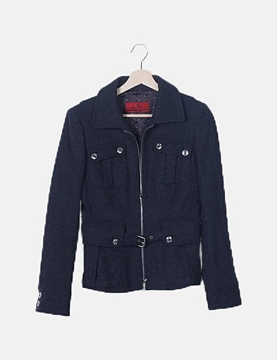 Abrigo corto gris con bolsillos