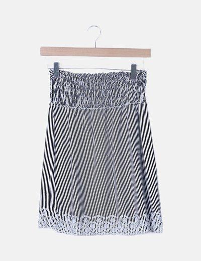 Blusa de rayas con bordado