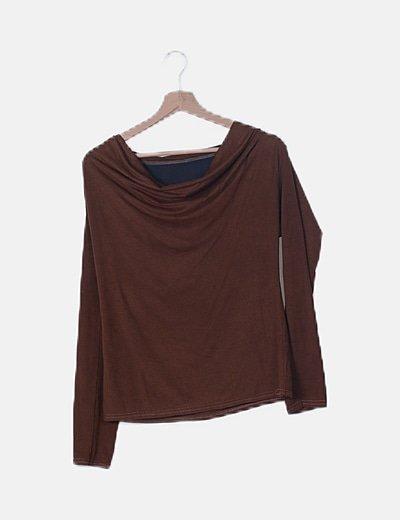 Camiseta marrón combinada