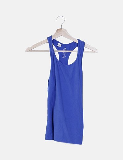 Camiseta elástica azul sin mangas